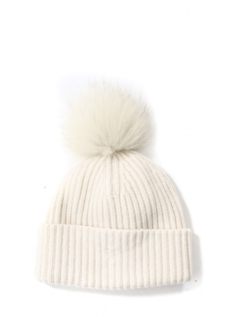Ivory white knitted cashmere beanie hat with fur bubble Retail price €180  Unique size d92178b82e9