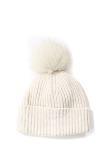 Ivory white knitted cashmere beanie hat with fur bubble Retail price €180 Unique size