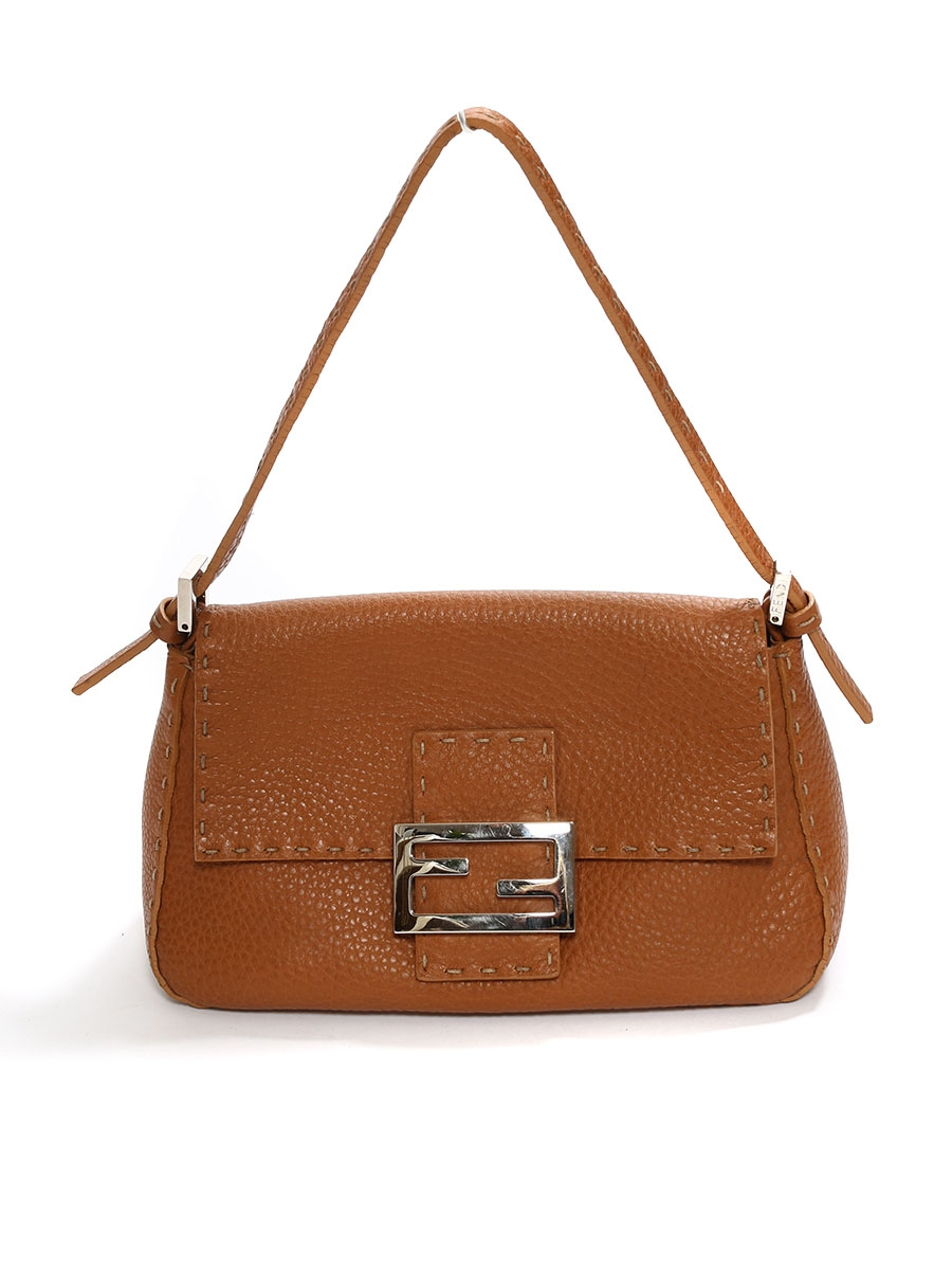 1f7c440a413e ... BAGUETTE Camel brown grained leather shoulder bag Retail price €1200 ...