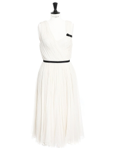 White pleated silk chiffon draped dress Retail price €3000 Size 36