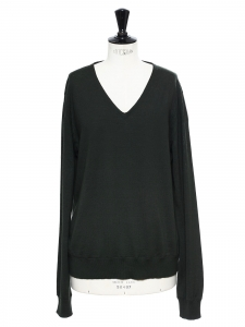 Dark green wool V neck sweater Retail price €490 Size 40