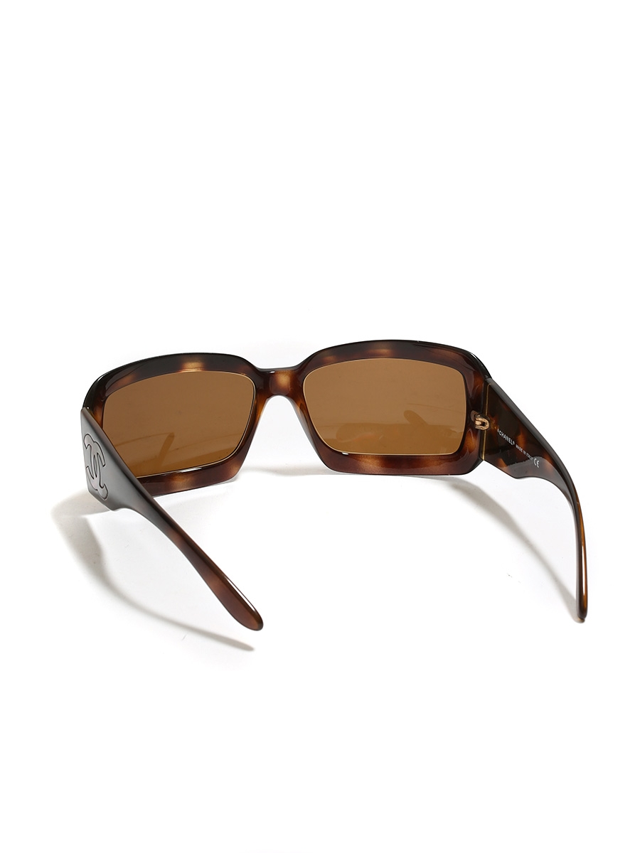 cd2098c9dc3 ... Brown tortoiseshell and mother of pearl 5076H sunglasses Retail price  €220 ...