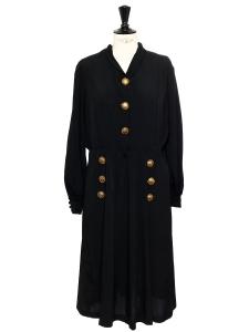 Robe mi-longue en crêpe noire et boutons en laiton doré Taille L