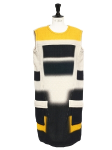 Navy blue, yellow and cream quilted sleeveless dress Retail price €1100 Size 40
