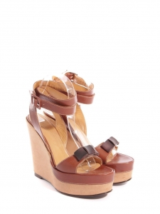 Sandales à talon compensé, plate-forme et bride cheville en cuir beige et caramel Prix boutique 750€ Taille 39
