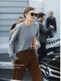 Pantalon slim en velours côtelé marron caramel Prix boutique 170€ Taille 36/38