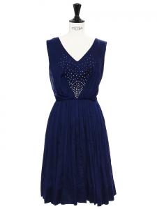 Robe cintrée sans manche en coton de luxe bleu marine brodée de perles blanches Prix boutique 800€ Taille 34