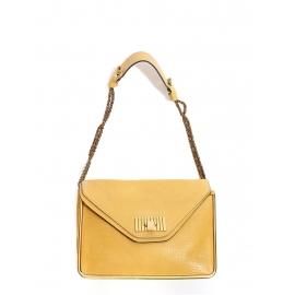 Sac SALLY moyen modèle en cuir grainé jaune miel et chaîne dorée Prix boutique 1710€