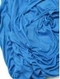 Robe bleue ?