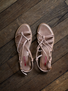 Pink beige leather flat strappy sandals Retail price €500 Size 39.5