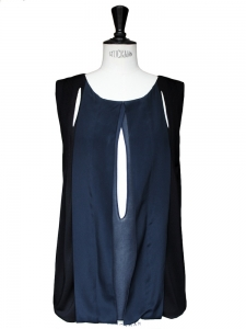 Dark blue and black silk crepe top Retail price 950€ Size 36/38