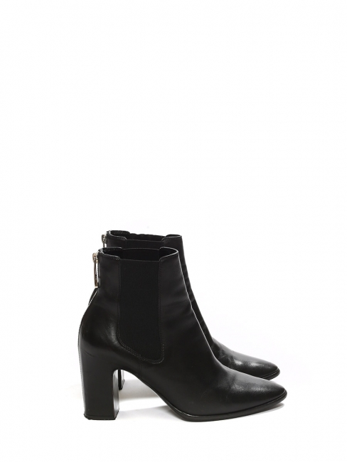 Black leather heel ankle boots with silver back zip Retail price €750 Size 39