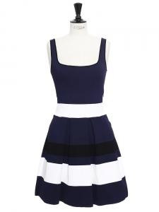 Robe décolleté carré en maille stretch rayée bleu, noir et blanc Px boutique 855€ Taille 36