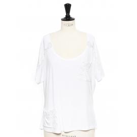 T-shirt blanc brodé de dentelle manches courtes décolleté rond Prix boutique 300€ Taille 38
