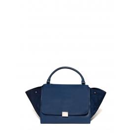 Sac à main Trapeze modèle large en cuir grainé et daim bleu Prix boutique 2400€