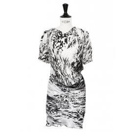 Robe drapée en soie imprimé graphique noir blanc gris Px boutique 1400€ Taille 34