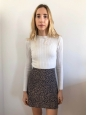 High waist navy blue crepe skirt printed with beige flowers Retail price €120 Size 0/34