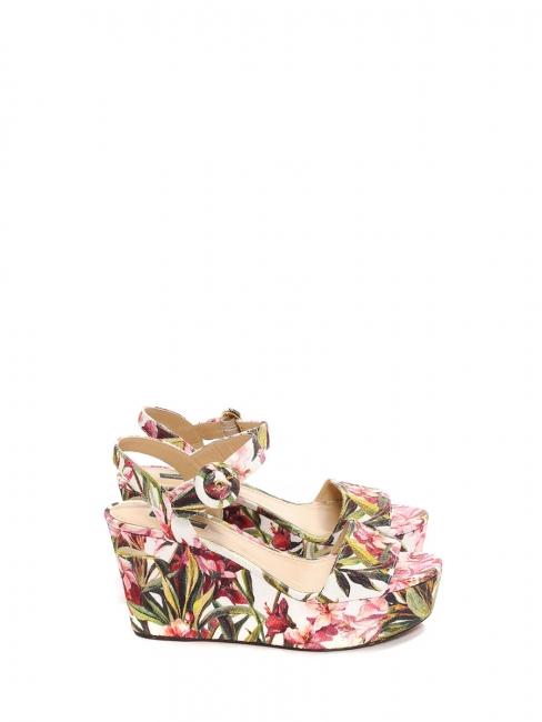 Sandales compensées en toile fleuri rose et vert Prix boutique 575€ ... 04aca13fe4d7