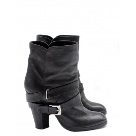 Biker ankle boots in black leather Retail price €600 Size 37.5