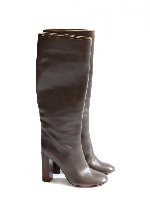 Dark brown leather wooden heel boots Retail price €1000 Size 38.5