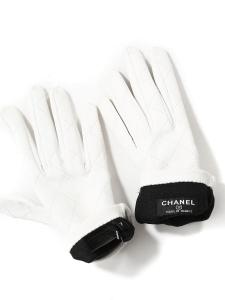 Gants en cuir matelassé blanc Prix boutique 650€ Taille 7