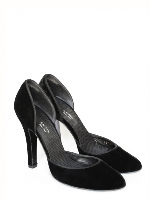 Black velvet décoletté stiletto heels Retail price €500 Size 40