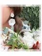 Boucles d'oreille fleurs pétales blanc et coeur laiton doré