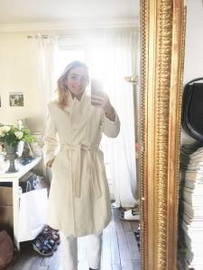Manteau long en laine et cachemire blanc ivoire Prix boutique 950€ Taille 38