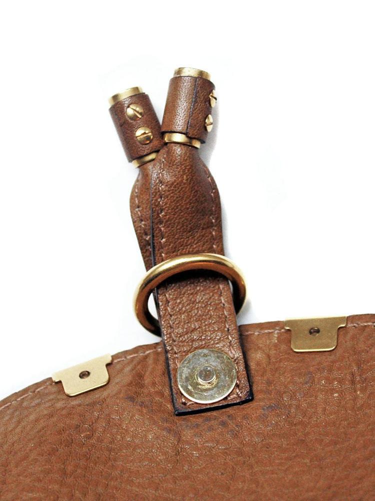 da849186c0 ... Petit sac à bandoulière / cross body MARCIE en cuir grainé marron ...
