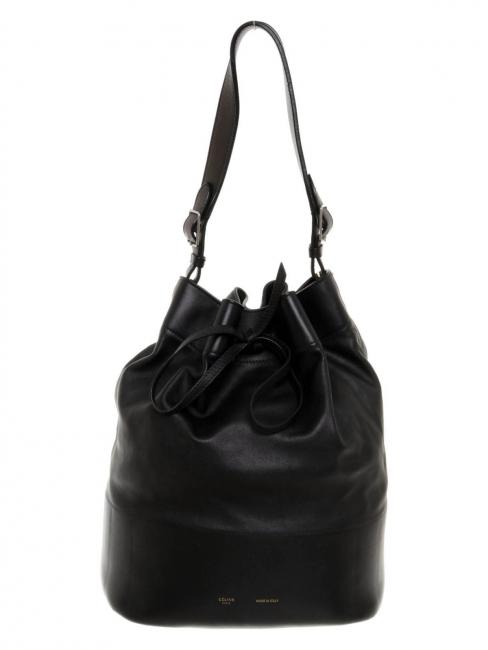 bfc495b231 Louise Paris - CELINE Sac Seau Drawstring en cuir noir Prix boutique ...