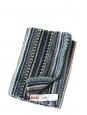 Echarpe longue en cachemire et mohair graphique vert, bleu blanc violet et noir Prix boutique 190€
