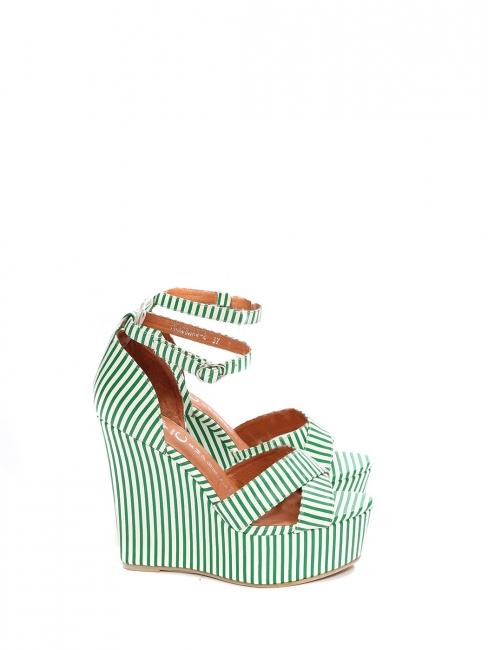 12a53e560b37ac Sandales compensées plateforme et bride cheville rayées vert et blanc Prix  boutique 150€ ...