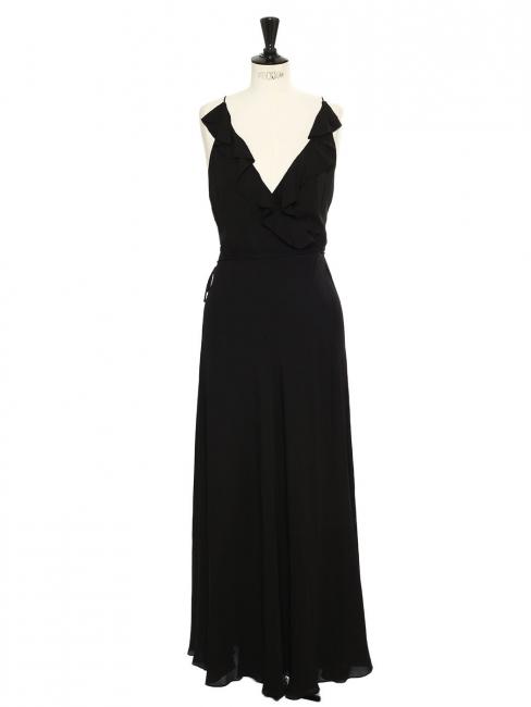 Robe de cocktail longue en soie noire décolletée et dos nu à volants Prix boutique $450 Taille 36