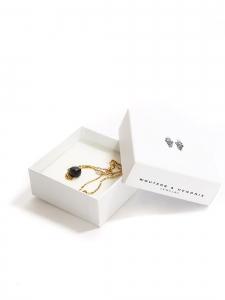 Fine necklace with thin gold chain and black quartz pendant Retail price €210