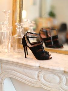 Sandales en suede et python noir Px boutique 1100€ Taille 40