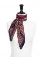 Foulard carré en twill de soie à rayures bleu marine, bordeaux et camel Prix boutique 350€ Taille 90 x 90
