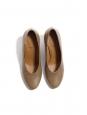 Escarpins bout rond talon bois en cuir marron noisette Prix boutique 420€ Taille 38,5