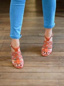 Sandales multi-strap en cuir rouge orangé et studs argent Px boutique 600€ Taille 37