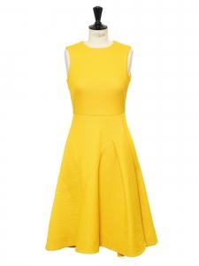 Robe jaune vif mi-longue sans manche cintrée et évasée Taille 36