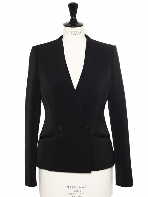 Veste blazer cintrée deux boutons en crêpe noir Prix boutique 1230€ Taille 36
