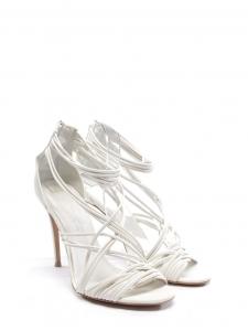 Sandales multi strap en cuir blanc et talon fin Prix boutique 520€ Taille 39