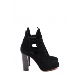 Black suede low boots with wooden heels Retail price €950 Size 39.5