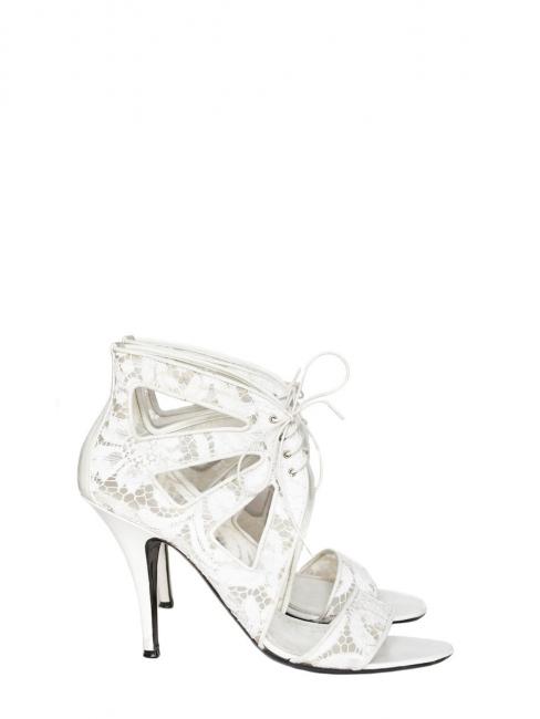 Sandales à talon en cuir et dentelle blanche NEUVES Prix boutique 640€ Taille 38