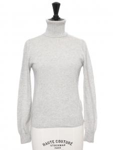 Pull col roulé en cachemire gris clair Prix boutique €790 Taille 34