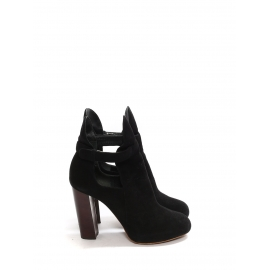 Black suede low boots with wooden heels Retail price €950 Size 37.5