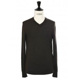 Dark khaki green wool V neckline men's sweater Retail price €140 Size M
