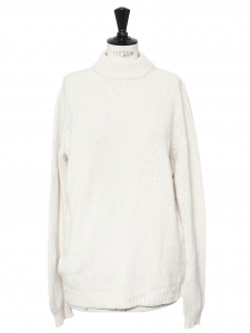 Heavy knit cram white luxury cashmere crew neck sweater Retail price €600 Size 40