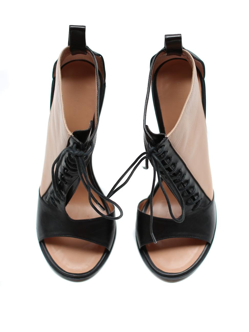 louise paris celine sandales lac es talon en cuir nude et noir neuves px boutique 700 taille 38. Black Bedroom Furniture Sets. Home Design Ideas