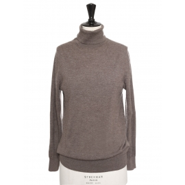 Chestnut brown roll neck cashmere sweater Retail price €375 Size S