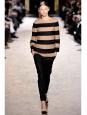 Pull col rond en laine vierge et cachemire rayé beige et bleu nuit Prix boutique 600€ Taille 36